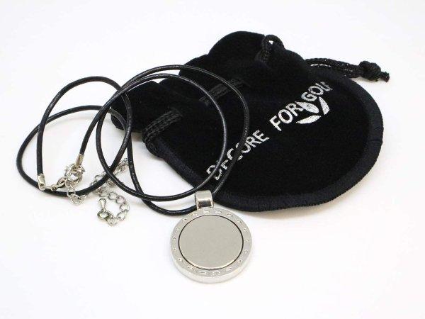 画像1: 【黒&白ロープ】 皮製ロープネックレスマーカー台座 マグネット強化 (1)